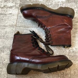 DR MARTENS | Maroon Boots